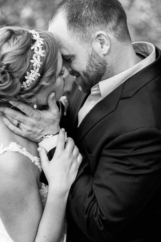 north-texas-bride-mineral-wells-clark-garden-wedding-bespoken-day-4